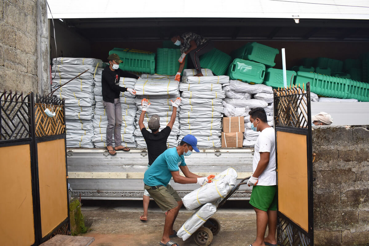 ShelterBox distributes emergency shelter in the Philippines to protect families against coronavirus